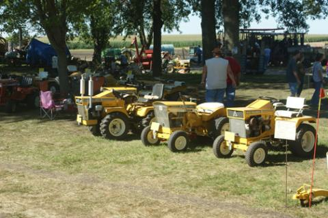 Lawn_and_Garden_Tractor_Exhibit