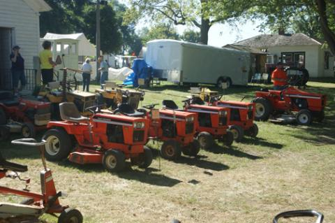 Lawn_and_Garden_Tractor_Exhibit2